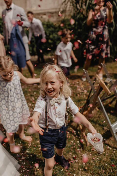 Sommerhochzeit Leonie Rosendahl Hochzeitsrepoartage Hochzeitsfotograf Koeln NRW83 -